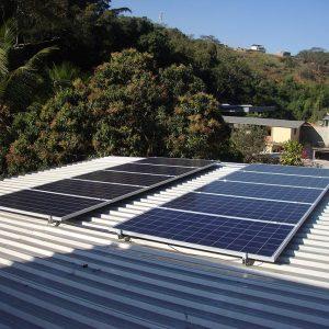 04 - Arranjo fotovoltaico finalizado - 10 x 310Wp Trina Solar