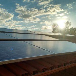 04 - Instalação dos módulos fotovoltaicos - 14 x 310Wp Trina Solar