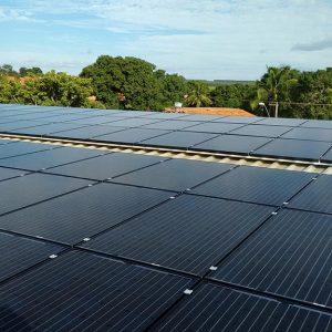 05 - Instalação dos módulos fotovoltaicos - 80 x 270Wp Sun Edison
