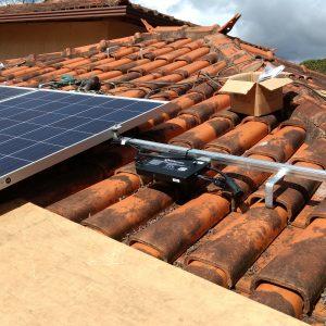 Instalação dos Módulos Fotovoltaicos e Microinversores